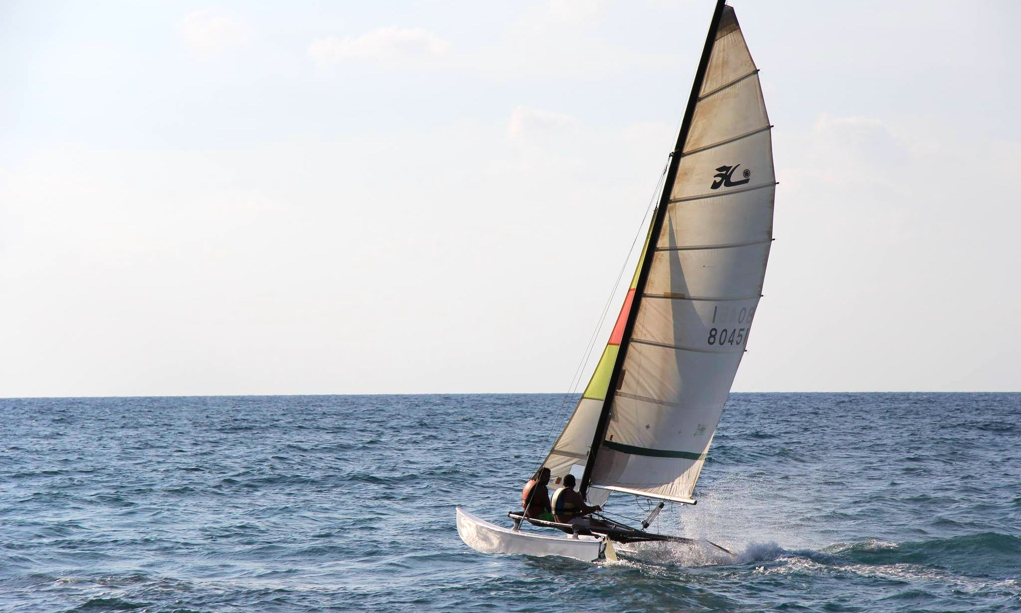 'Catamaran Hobie 16' Rental and Sailing Lessons in Thoum