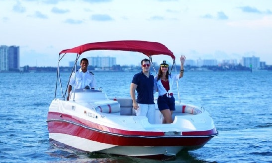 Hire A 25' Deck Boat Cobia In Miami Beach, Florida