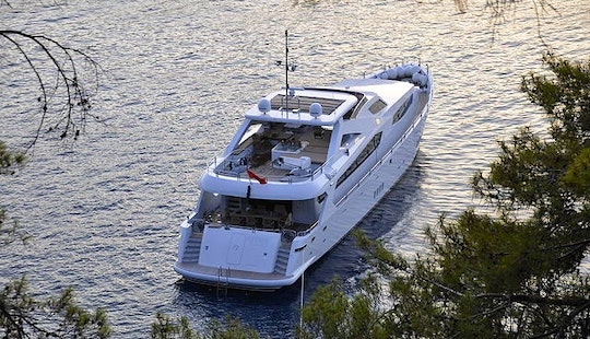 Motor Yacht For Rent In Bodrum