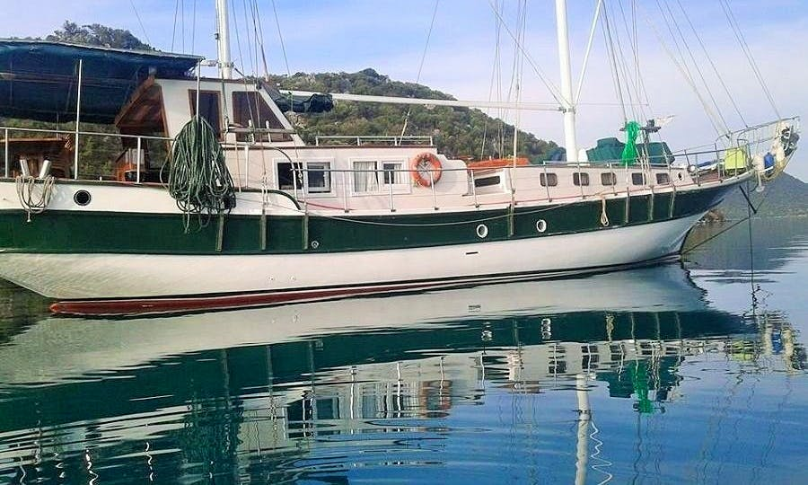 12-Person Gulet Charter with Captain and Crew in Antalya, Turkey