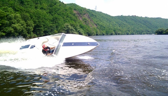 Donzi 18 Classic Speed Boat Hire In Davle