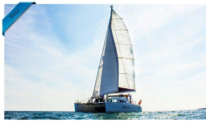 Cruising Catamaran lagoon 410 charter in Albufeira