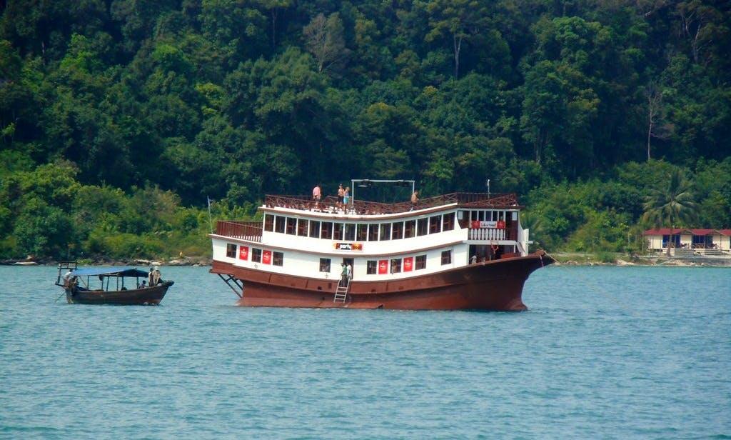 'The Party Boat' Cruising in Krong Preah Sihanouk