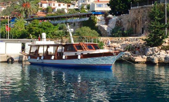 Explore The Underwater World Of In Antalya, Turkey