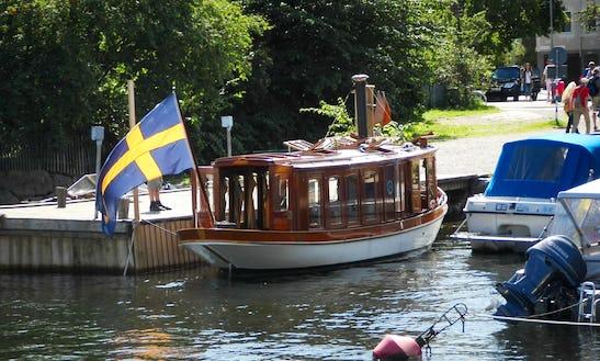31ft 'hjerter King'  Rental In Vaxholm