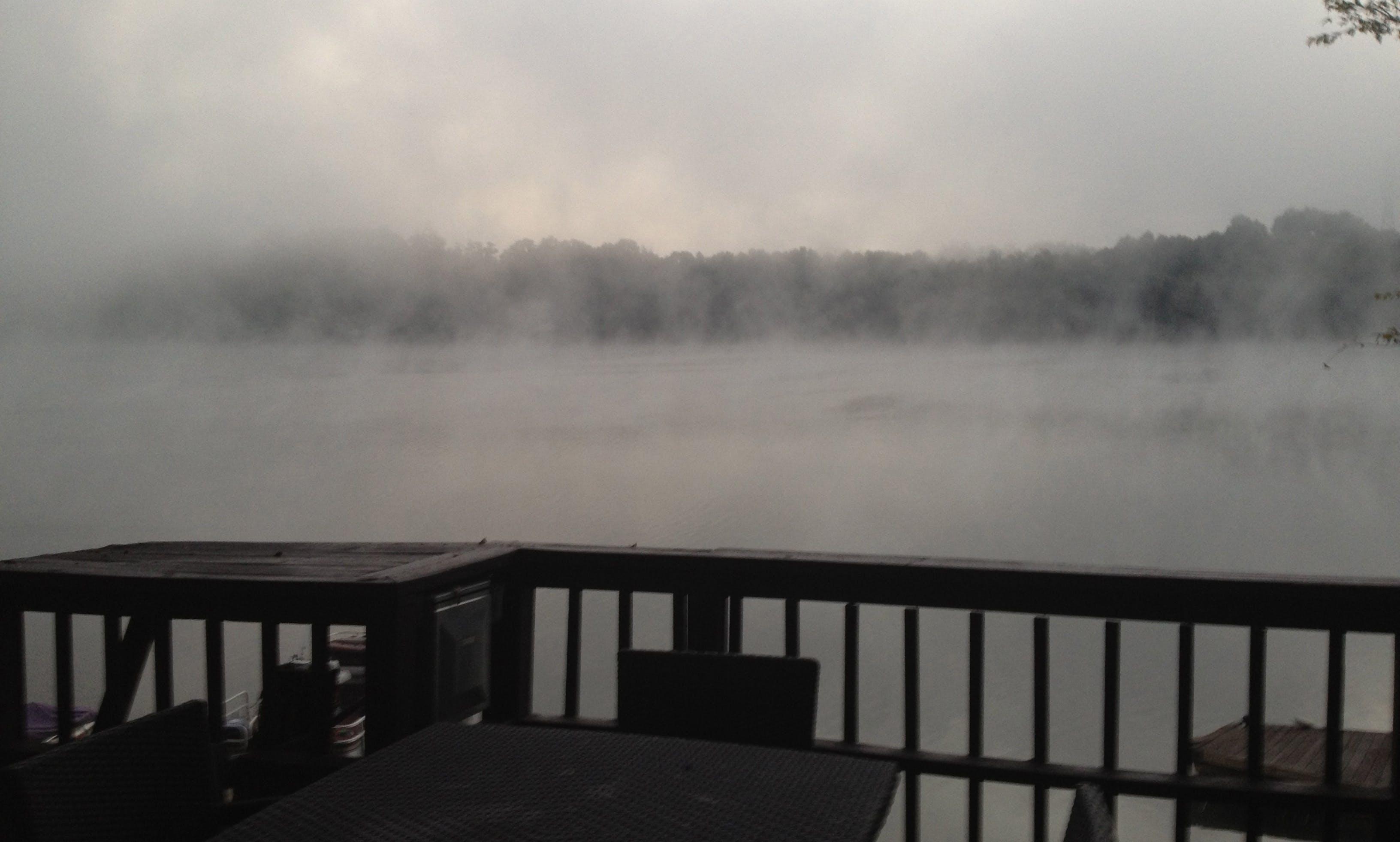 Harris 220 Pontoon Rental on Mountain Island Lake, Charlotte, NC