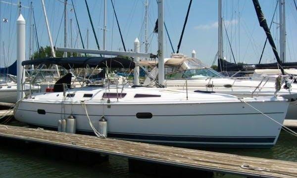 Hunter 36' Cruising Sailboat Rental Coral Gables Florida