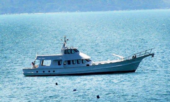 EscorpiÃo 82'/ Trawler - Florianópolis / Sc