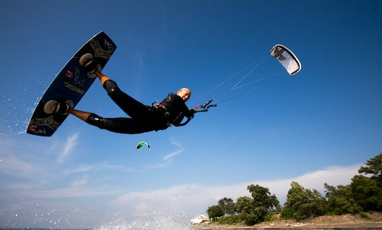 Kiteboarding Lessons In Bennett Beach