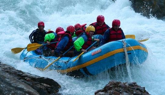 Enjoy Exciting River Rafting Trips In Kathmandu