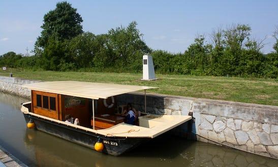 Houseboat Classic Rental In Slatiňany, Czech Republic