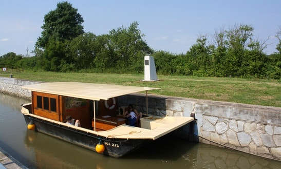 Houseboat Classic Rental In Slatiňany