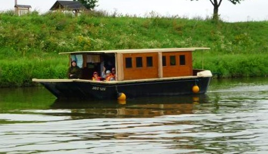 Houseboat Ballinka Hire In Slatiňany, Czech Republic