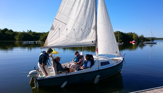 Daysailer Rental & Lessons In Soustons, France