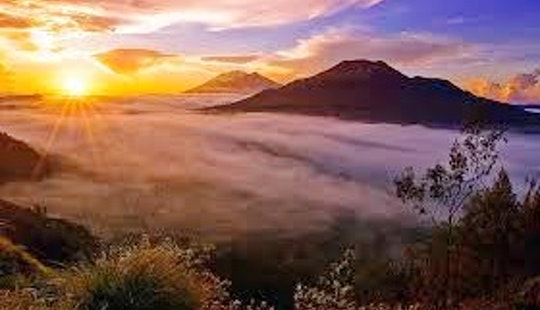 Batur Volcano Sunrise Treeking