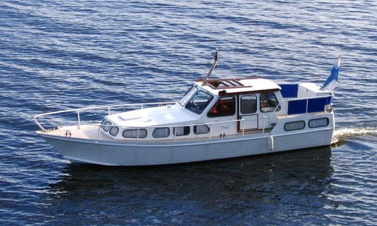 30' Merimuikku Motor Yacht Rental In Ylöjärvi