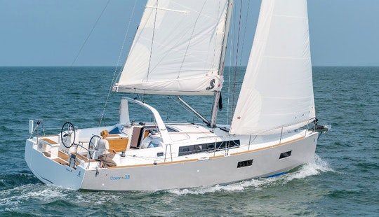 Sailing Yacht Charter Oceanis 38