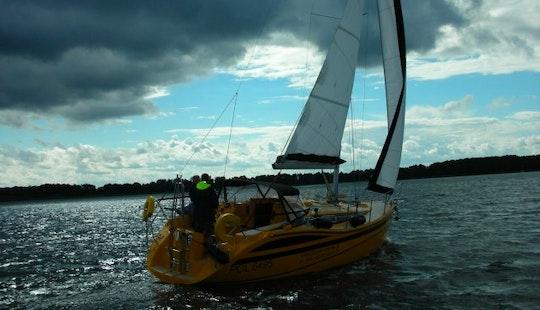 Tes 32 Dreamer 'xi' -cruising Monohull Charter In Piaski, Poland