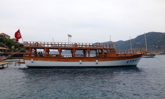 Sightseeing Tour By Boat In Antalya, Turkey