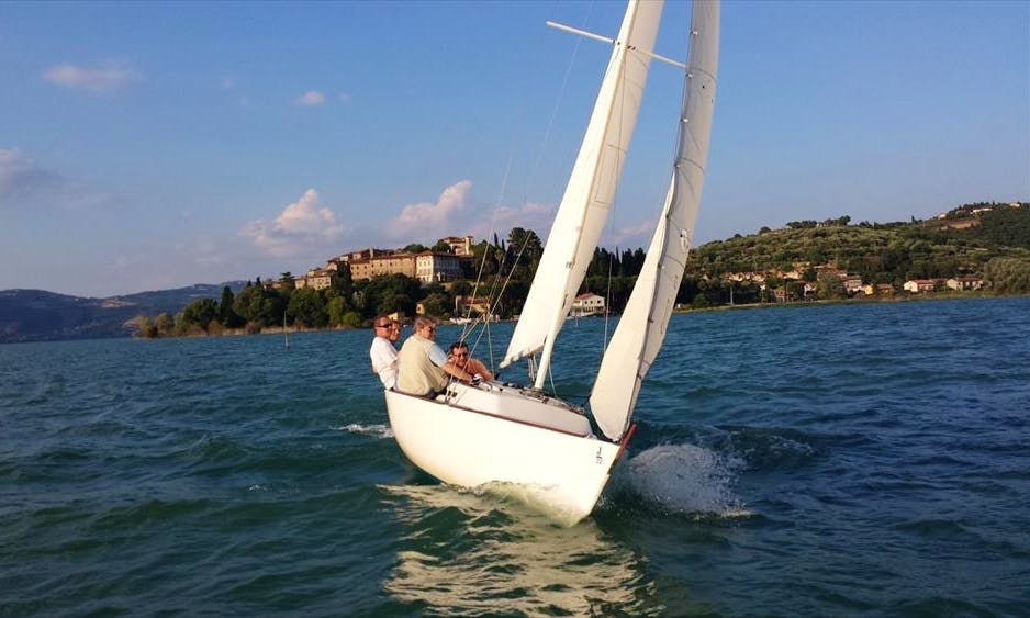 Daysailer Comet 701 Rental in Magione, Italy