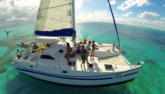 50 Ft Cruising Catamaran Charter In Cancún, Quintana Roo