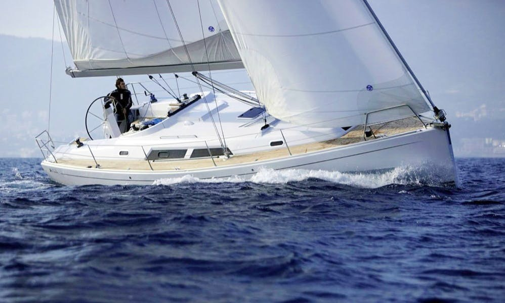 Charter Hanse 400e Cruising Monohull in Procida, Italy