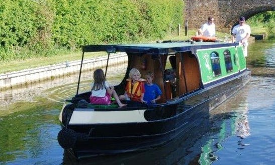Self Drive Boat Hire In United Kingdom