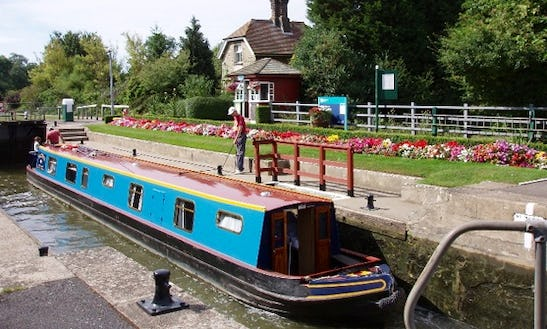 Canal Boat Power Boat Rental In Oxford