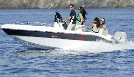 Gran Turismo 510 Deck Boat Rental In La Rochelle, France