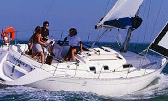 Dufour 36 Cruising Monohull Charter In Hamble-le-rice