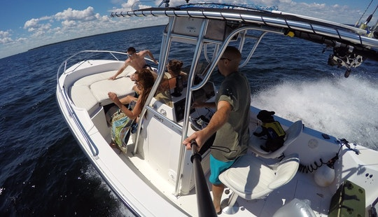 22' Mako 225 Cc Center Console Rental In Sister Bay, Wisconsin