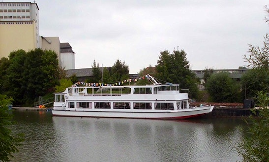 Pride Of Surrey Passenger Boat Hire In Shepperton