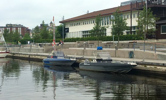 Center Console For Rent In Sundsvall