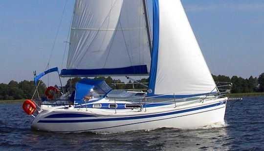 Spacious 8 Person Tes Dreamer 32 Sailing Yacht For Charter In Giżycko, Poland