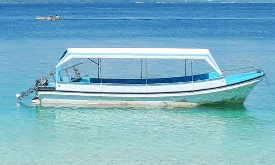 Fiberglass Dive Boat In Banawa