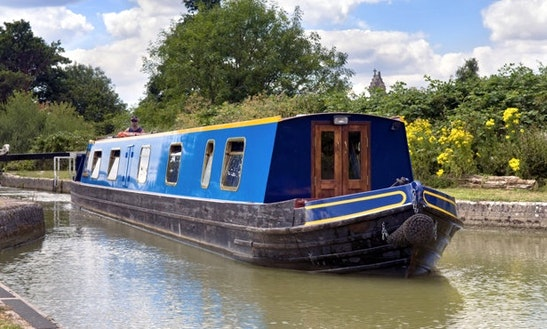 Canal Boat Hire In United Kingdom