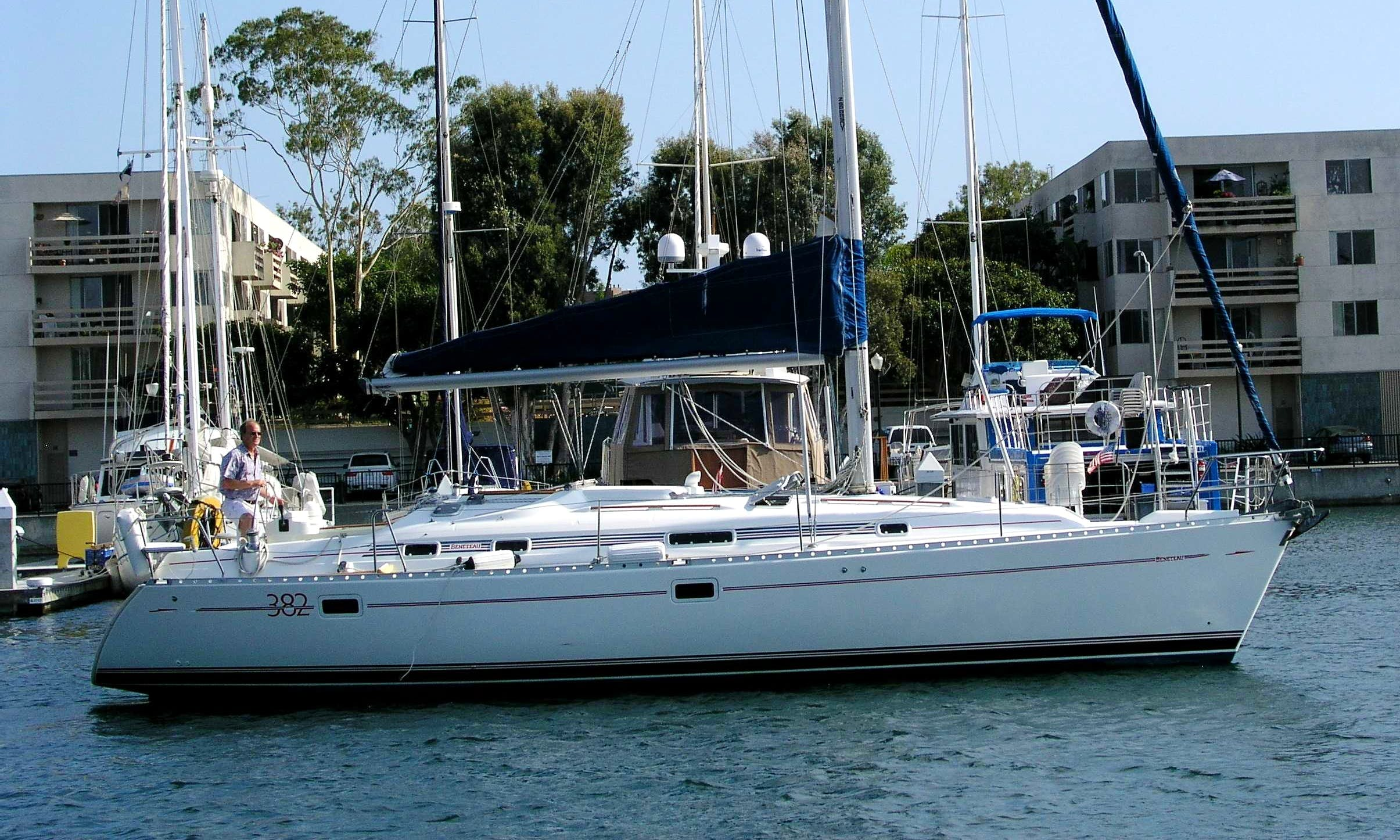 Charter a Beneteau 38 Sailing Yacht in MDR