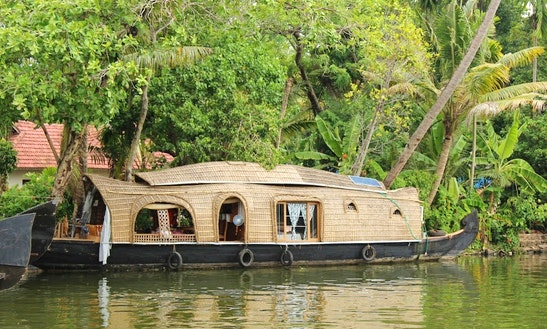 5-hours Alleppey Backwater Tour Aboard A Luxury Houseboat For 10 Person