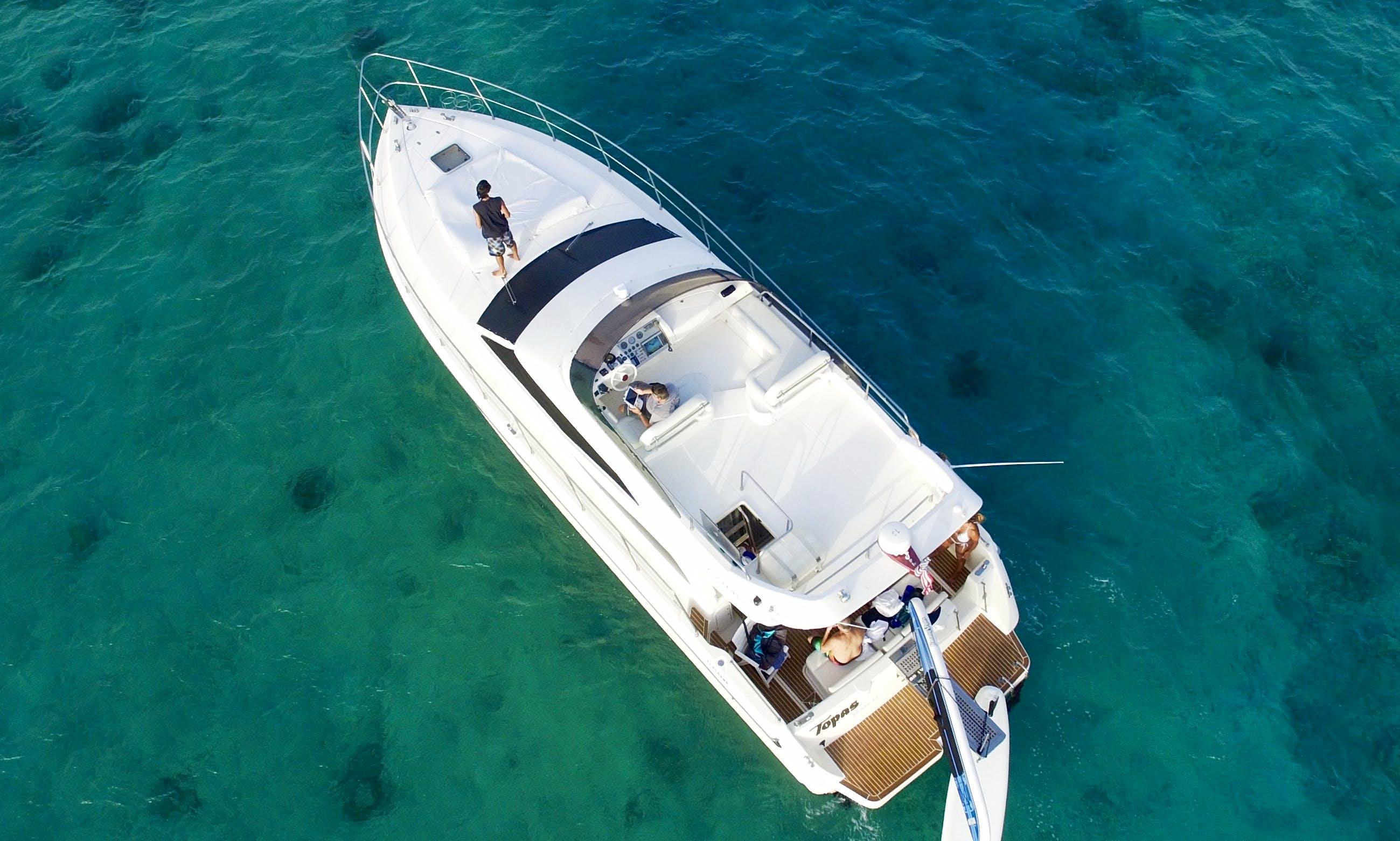 47' Motor Yacht Charter in Playa del Carmen, Mexico