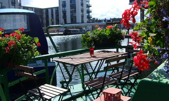 The Four Sisters Boatel Luxury Edinburgh Canal Boat