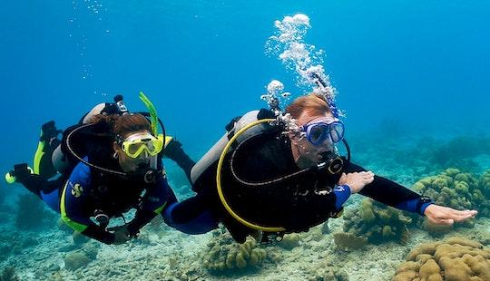 Scuba Diving Lesson In Hikkaduwa, Sri Lanka