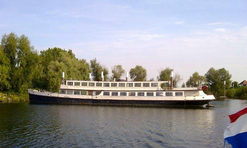 """Columbus"" Passenger boat Charter in Kerkdriel"