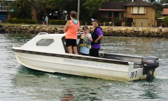 Dinghy Rental In Dunbogan