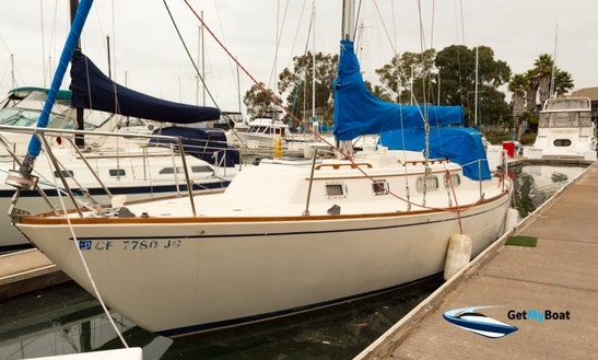8 Persons 35' Pearson Cruising Monohull Rental In Oakland, California