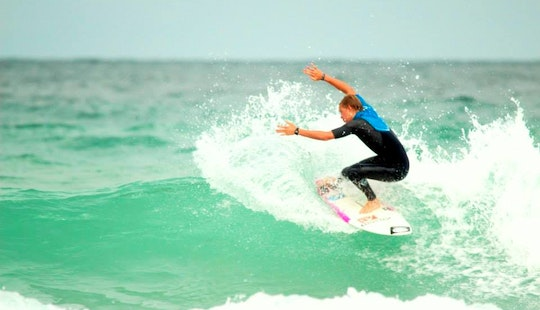 Surf Lessons With Equipment And Professional Instructors In Newquay, Uk