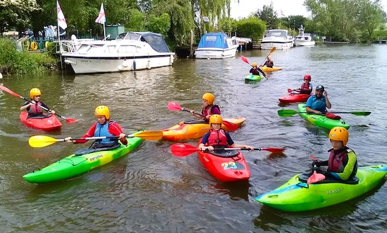 Enjoy Single Kayak Hire & Courses In Sturry, England