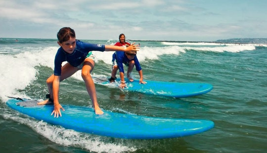 Surf Lessons With Professional Surf Coach In Newquay, Uk