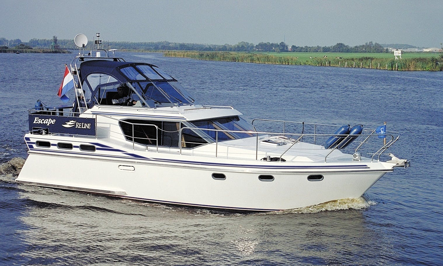 38' Reline 1150 Motor Yacht Rental in Drachten - Friesland, Netherlands