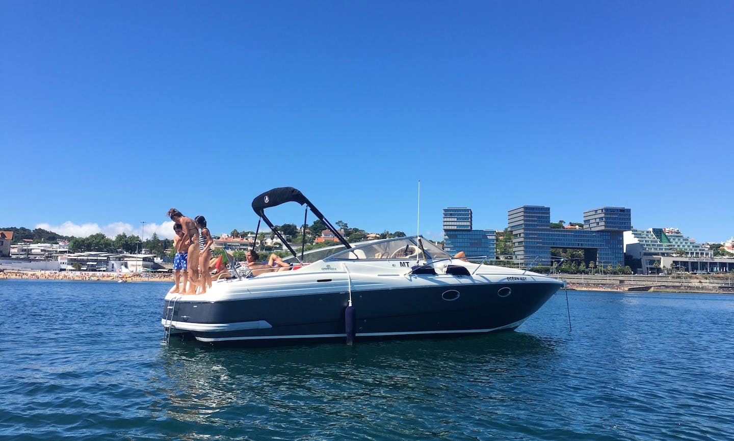 Take a voyage aboard 8 Person Motor Yacht in Lisboa, Portugal