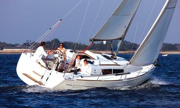 Jeanneau Sun Odyssey 36i Charter in Portugalete, Spain